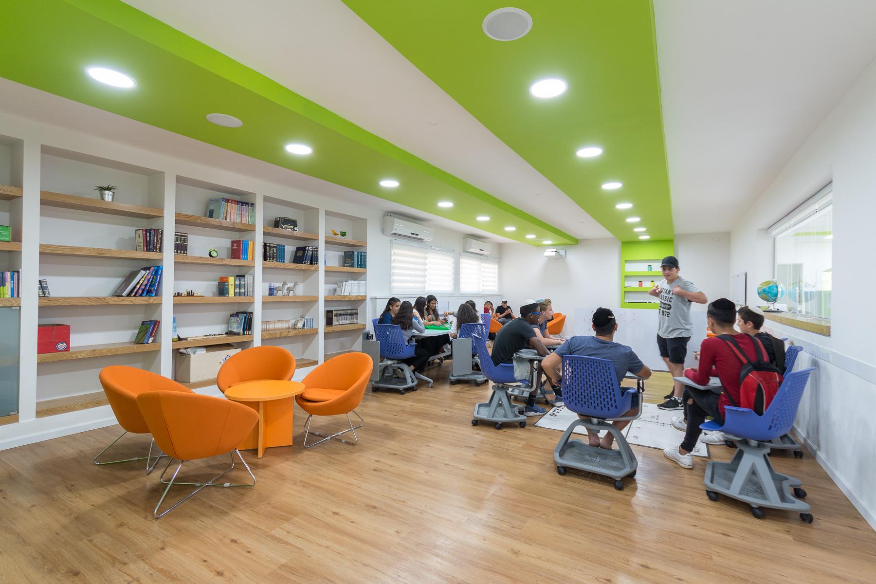 """בתמונה: תלמידים באמי""""ת מרכז טכנולוגי דתי ירושלים. צילום: עמי ארליך"""